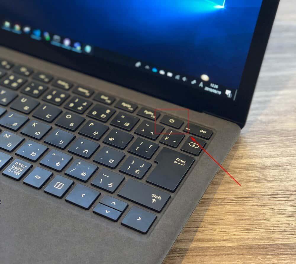 Surface Laptop2 電源ボタン